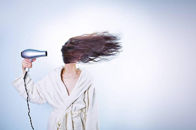 女性 髪 すっきり