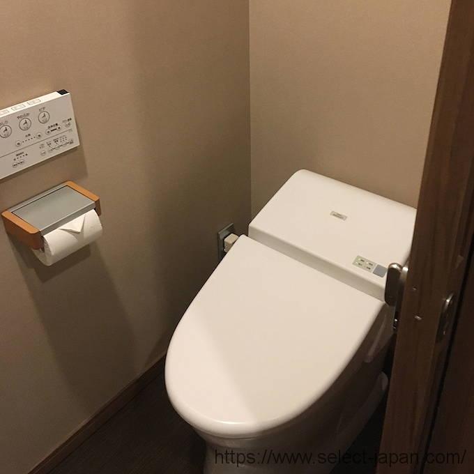 伊勢外宮参道 神泉 部屋 トイレ